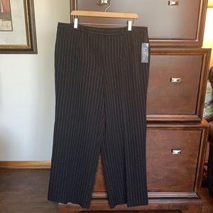 Black pinstripe trousers NWT 18W (108-1)